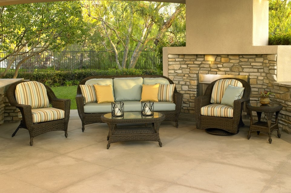 GEORGETOWN COLLECTION – PATIO SET STRIPPED Image