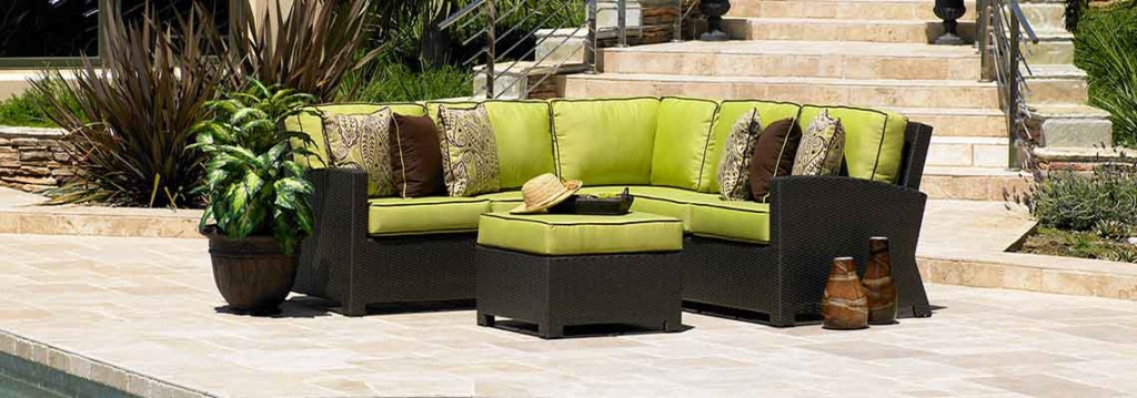 BONITA COLLECTION – SECTION WITH OTTOMAN IN JAVA Image
