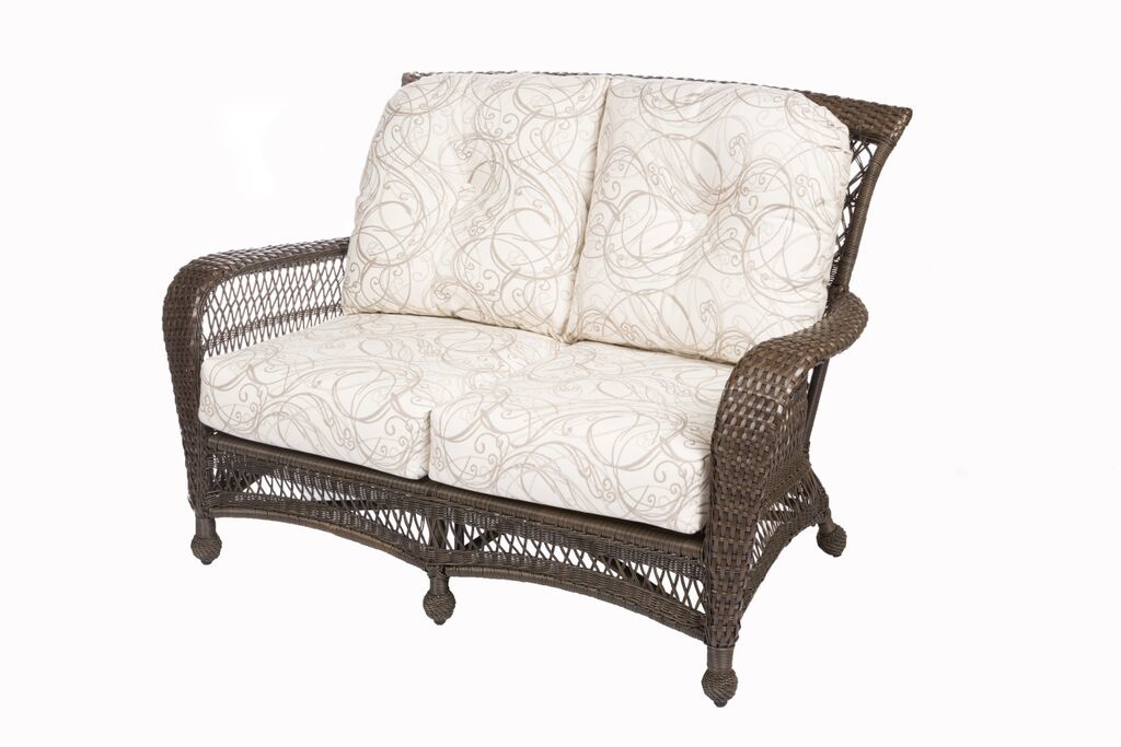 GRAND CYPRESS COLLECTION – LOVESEAT Image